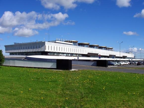 Как добраться от аэропорта Пулково до Петербурга: http://spb-gid.ru/transport/airport-pulkovo/kak-dobratsya-ot-aeroporta-pulkovo-do-peterburga/