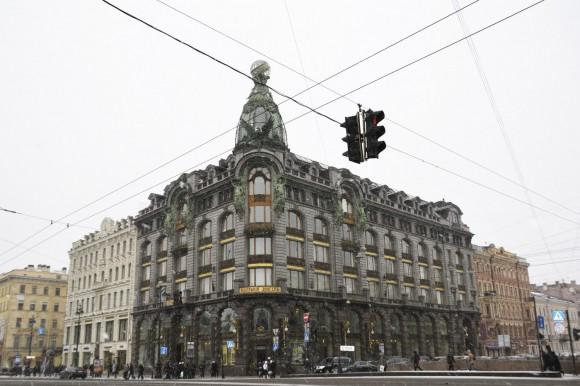 Дом Книги - старейший крупный книжный магазин Санкт-Петербурга