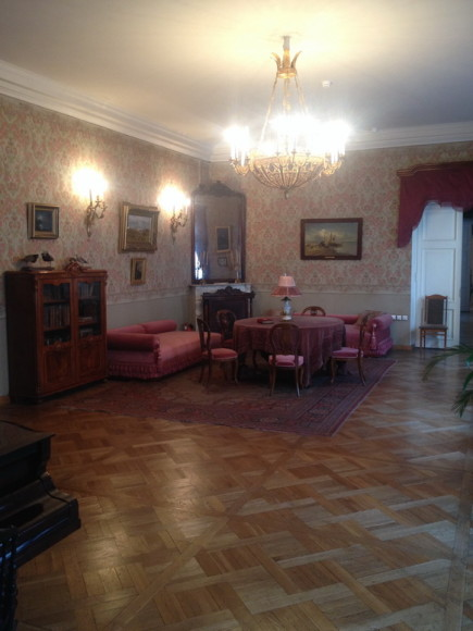 У Некрасова была большая квартира