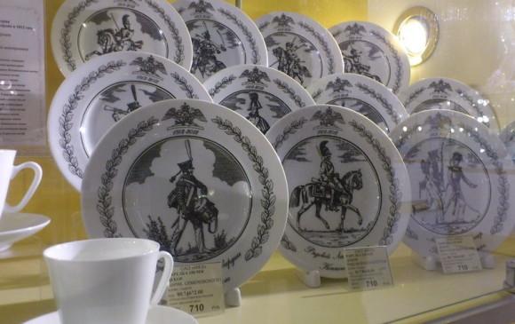серия декоративных тарелок с Семеновским полком
