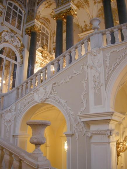 Беломраморная лестница Эрмитажа