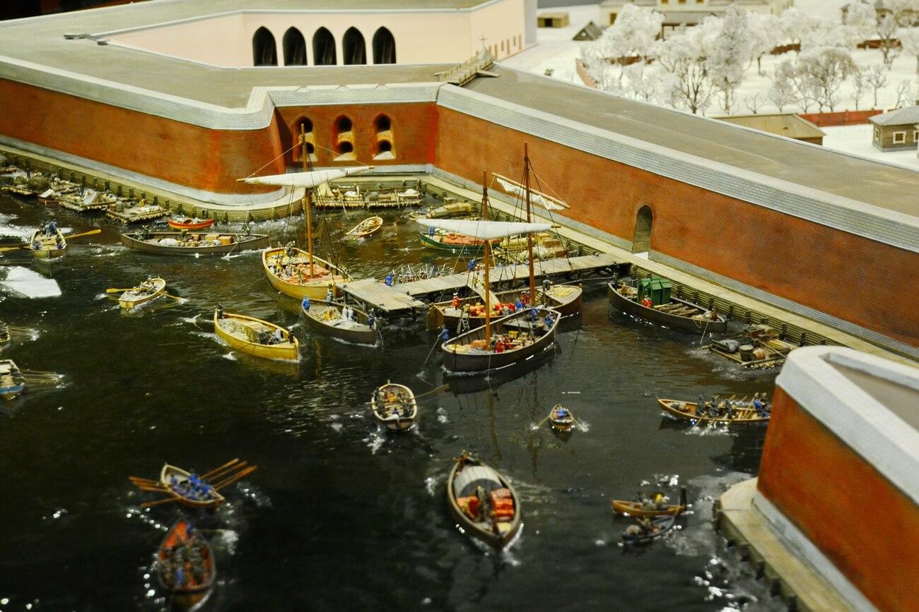 Самый первый порт Петербурга, причал Петропавловской крепости