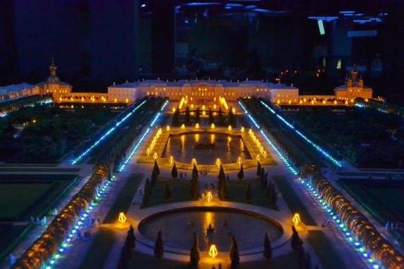 Ночная подсветка Петергофа