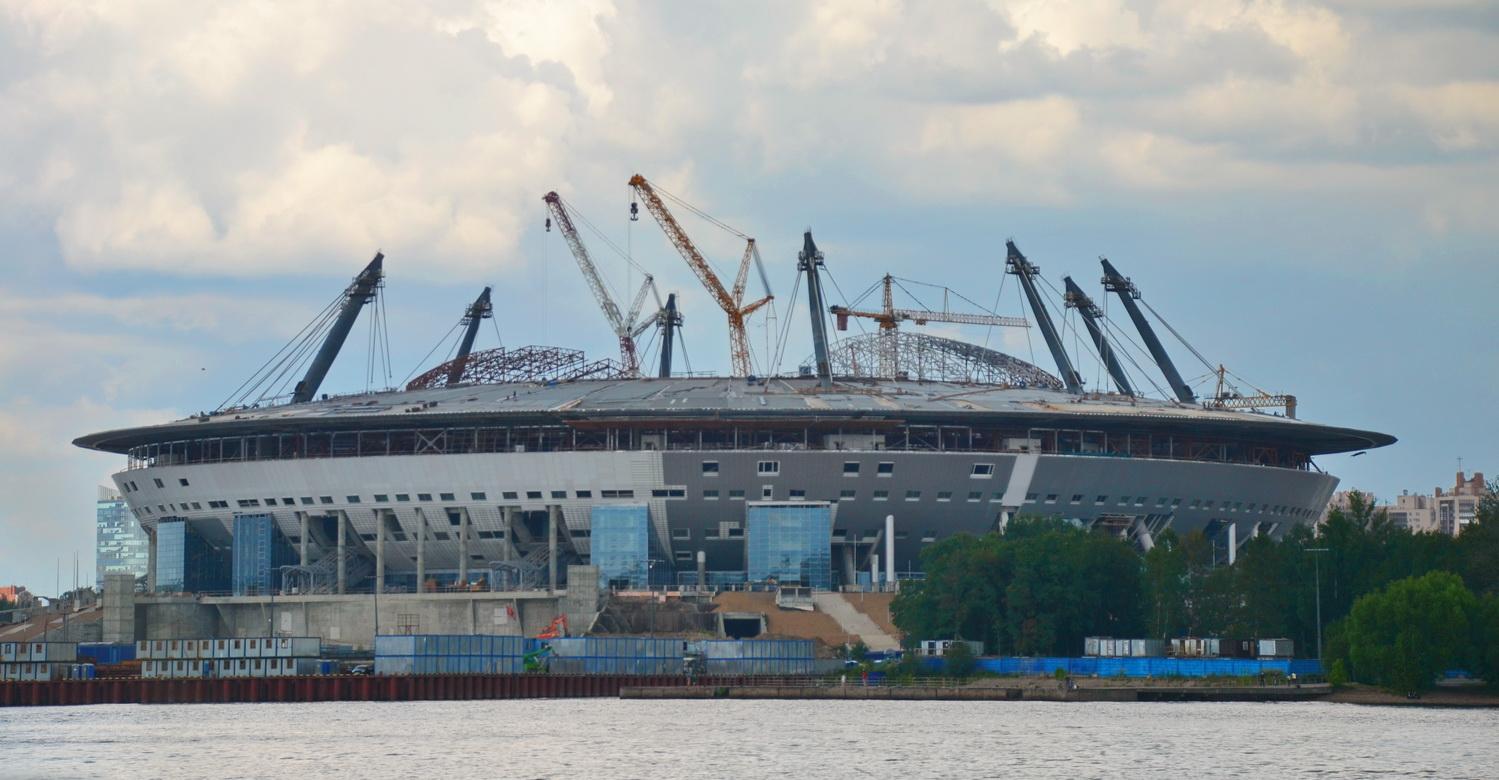 Строящийся стадион на Крестовском