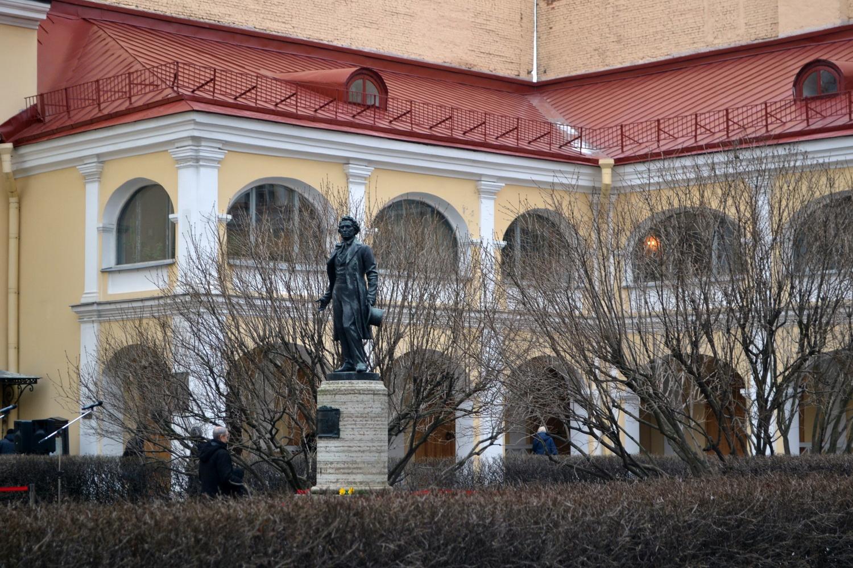Памятник А.С. Пушкину на Мойке, 12