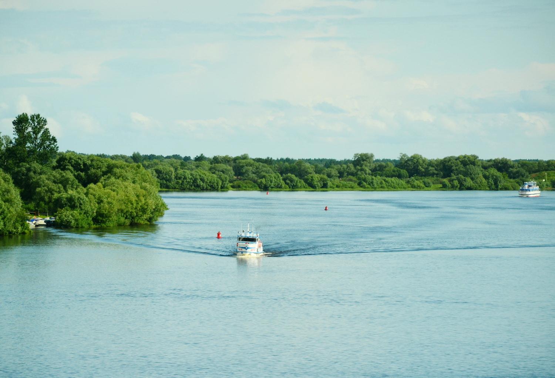 Теплоходные экскурсии по Волхову до озера Ильмень