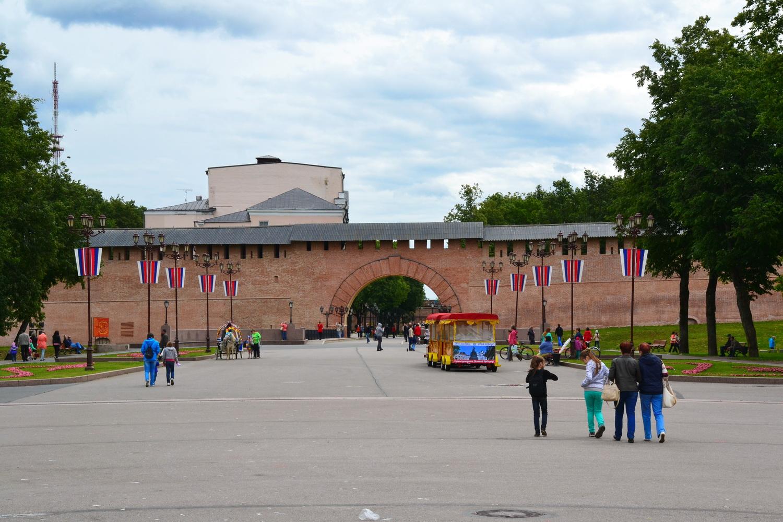 Ворота в Новгородский Кремль