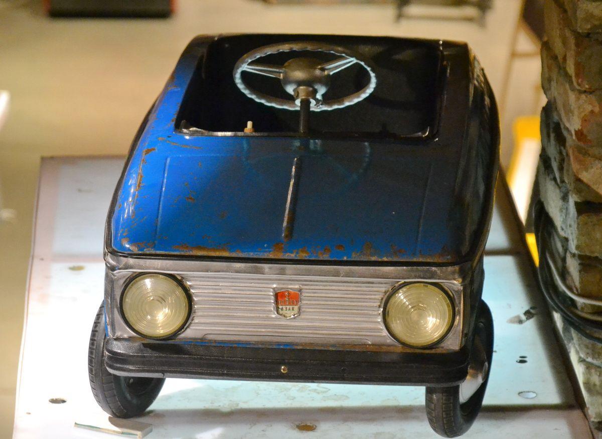 Детский автомобильчик Fiat