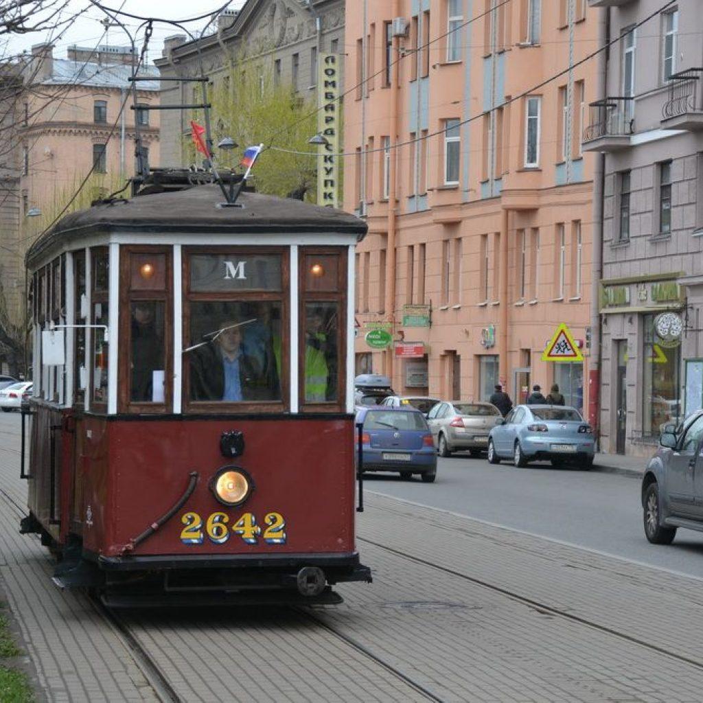 ретро трамвай в Петербурге