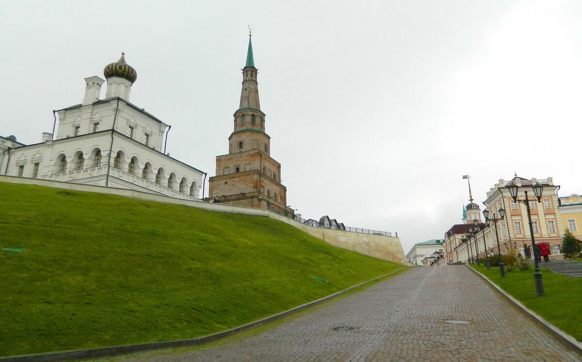 Можно купить экскурсию, в том числе, и по Казани
