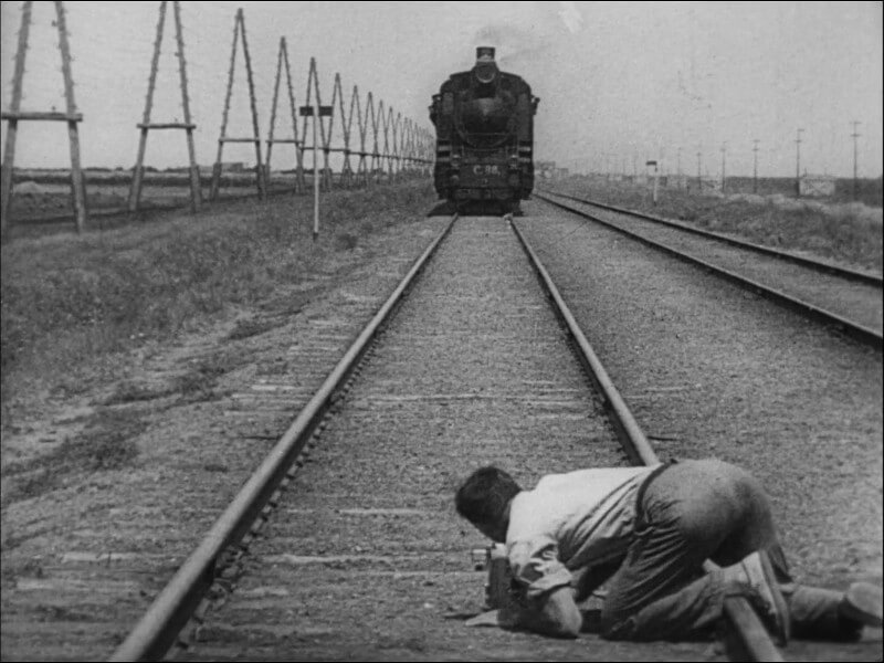 кинокартина `Человек с киноаппаратом`