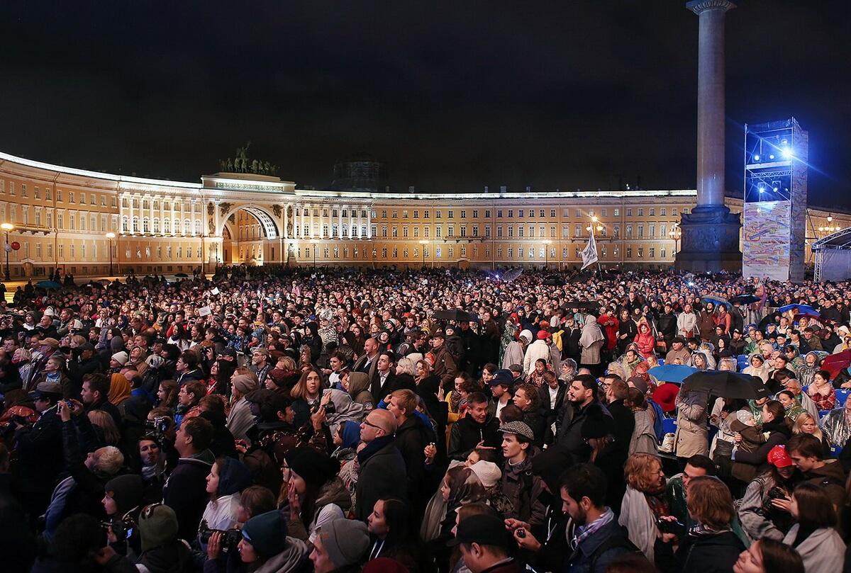 На Дворцовой площади раскинется кинозал под открытым небом