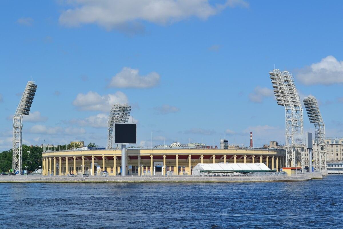 Стадион `Петровский`