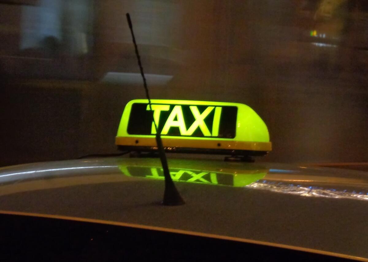Пользуйтесь официальными такси