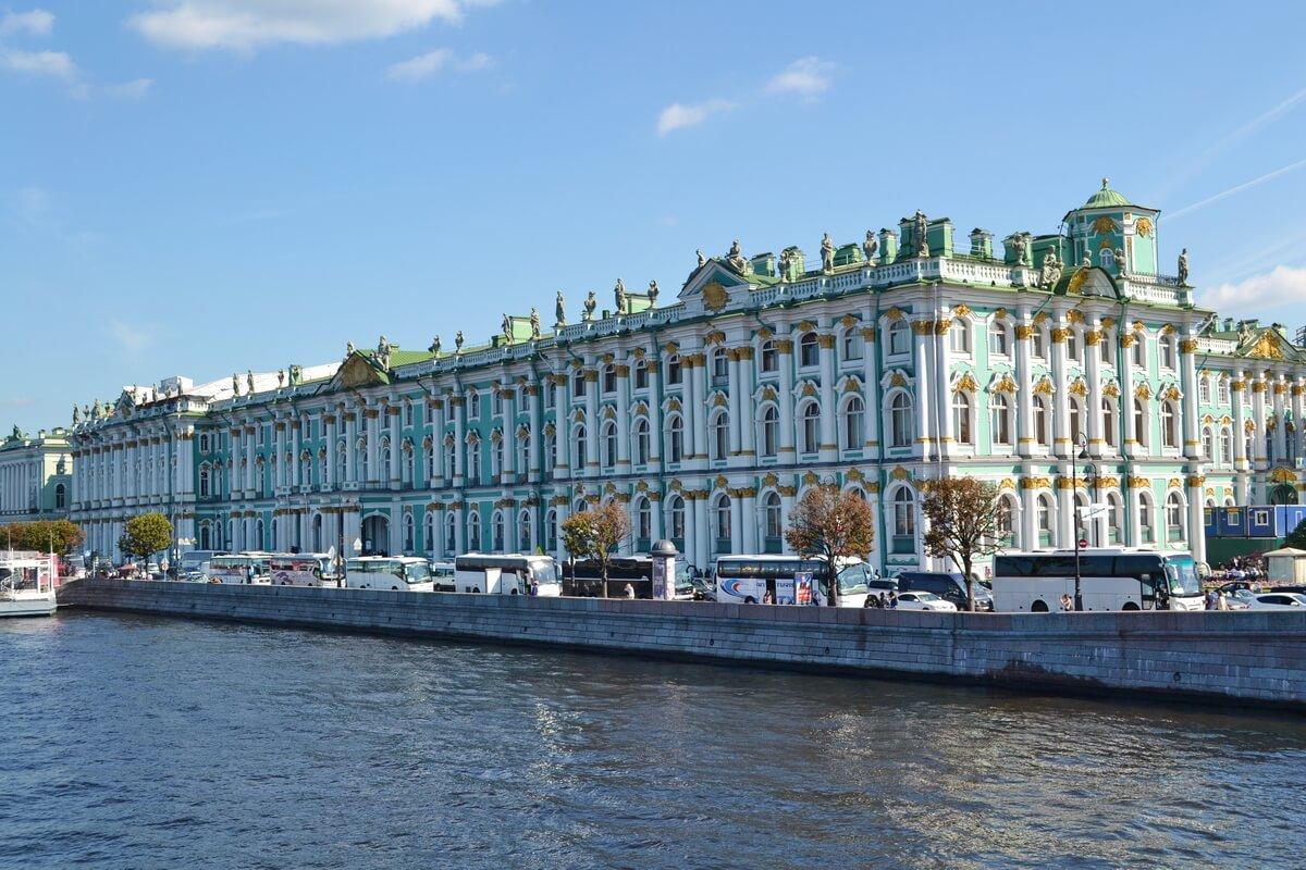 Эрмитаж - здание Зимнего дворца