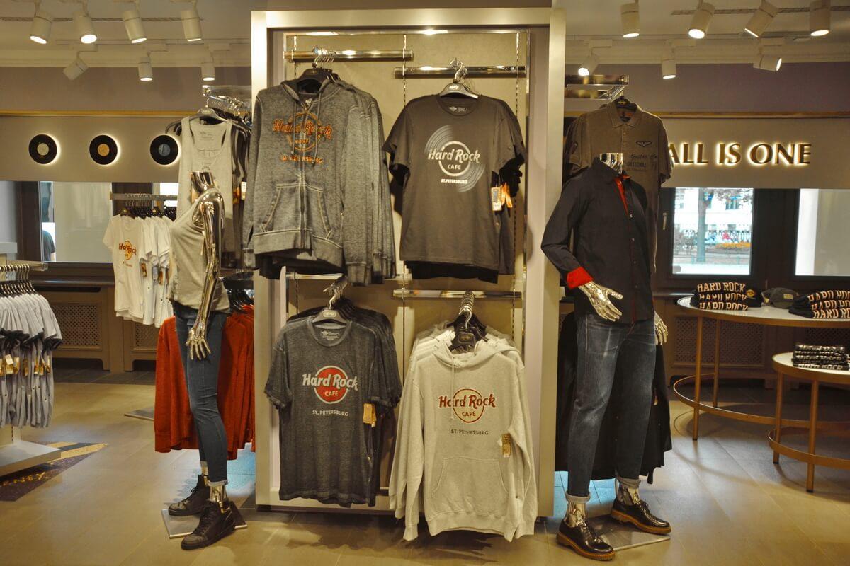 Сувенирный магазин в Hard Rock Café