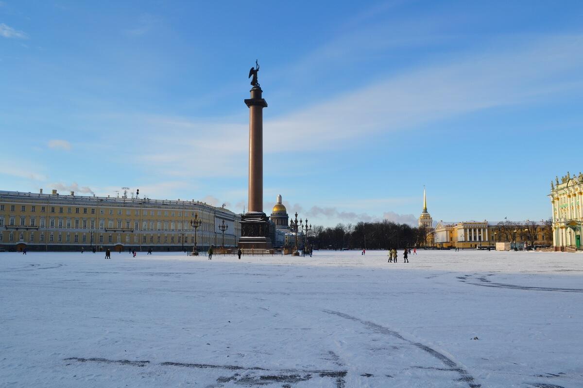 Дворцовая площадь зимой