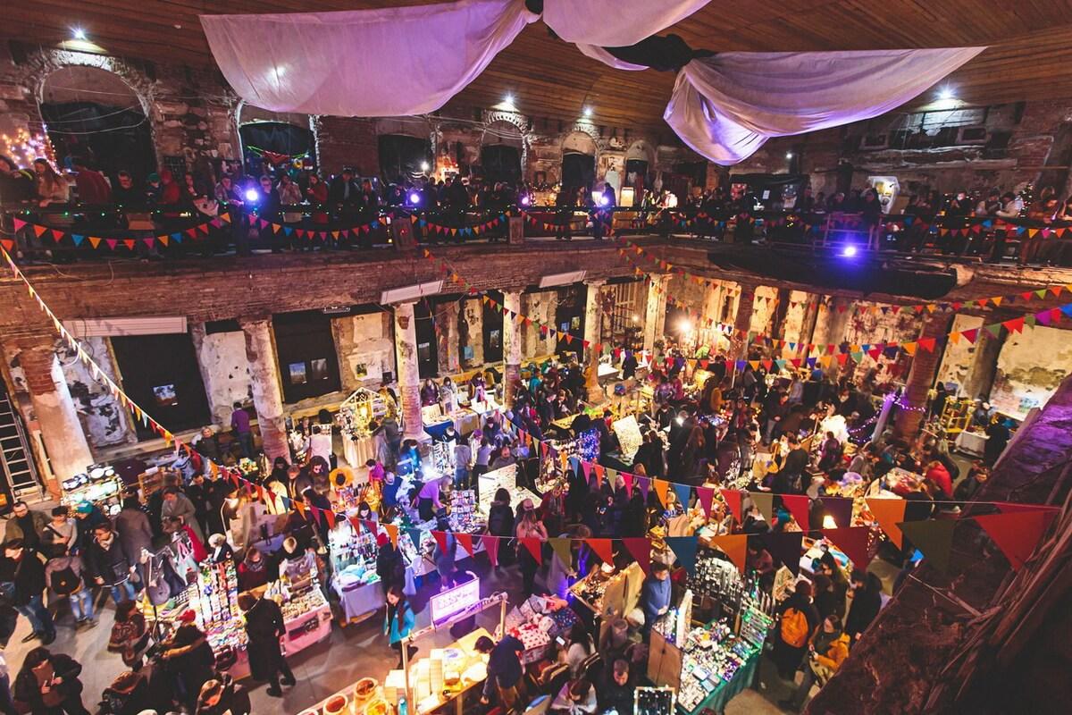 Christmas Charity Market в церкви Анненкирхе