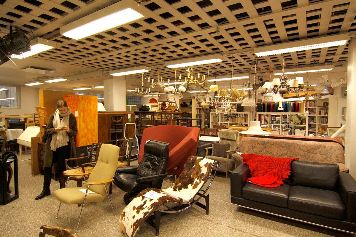 В секондах FIDA можно купить и мебель