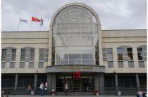 Автовокзал Петербурга пускает провожающих на перрон только по пропуску