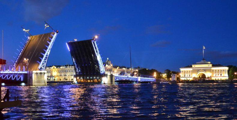Развод мостов в Петербурге в 2017 году и рекомендации для туристов
