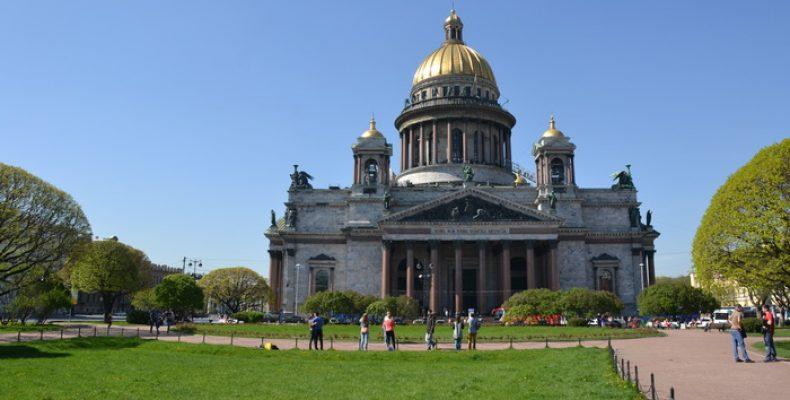 Колоннада Исаакиевского собора работает по ночам с 1 июня по 20 августа