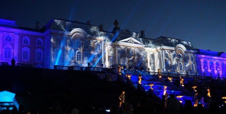 Осенний праздник фонтанов «Театральный роман» пройдет 21 и 22 сентября в Петергофе