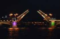 Разведен мост или нет, можно узнать в реальном времени