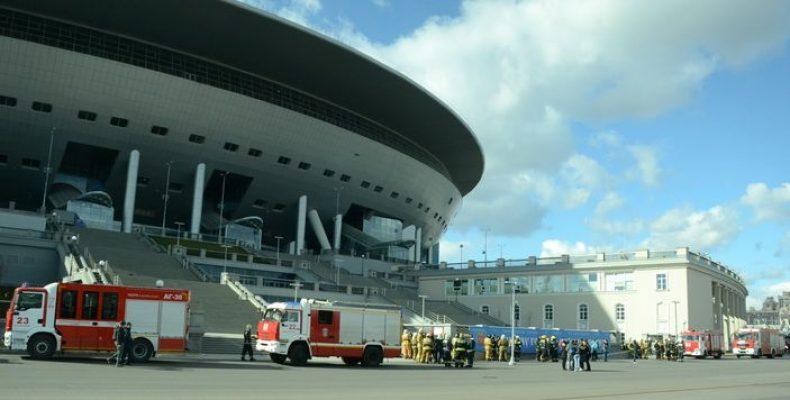 На стадионе Крестовский проходят учения оперативных служб