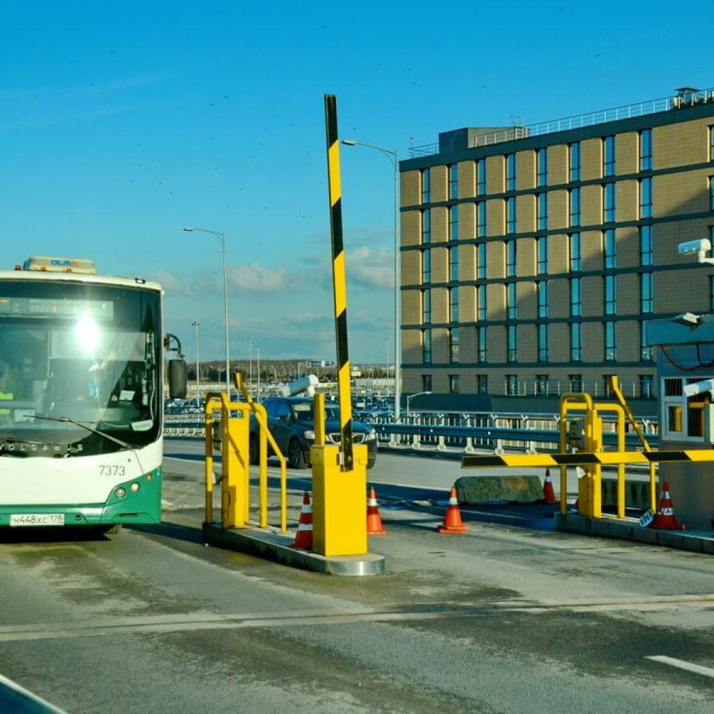Автобус из Пулково