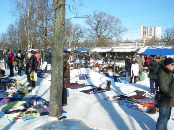 блошиный рынок зимой
