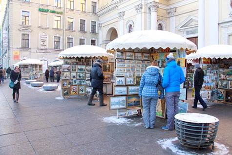 Ищите художников между 32-м и 34-м домами по Невскому проспекту