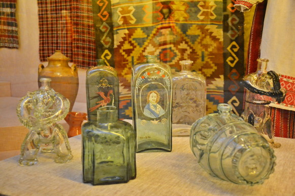 Гутное стекло, Украина, XVIII век