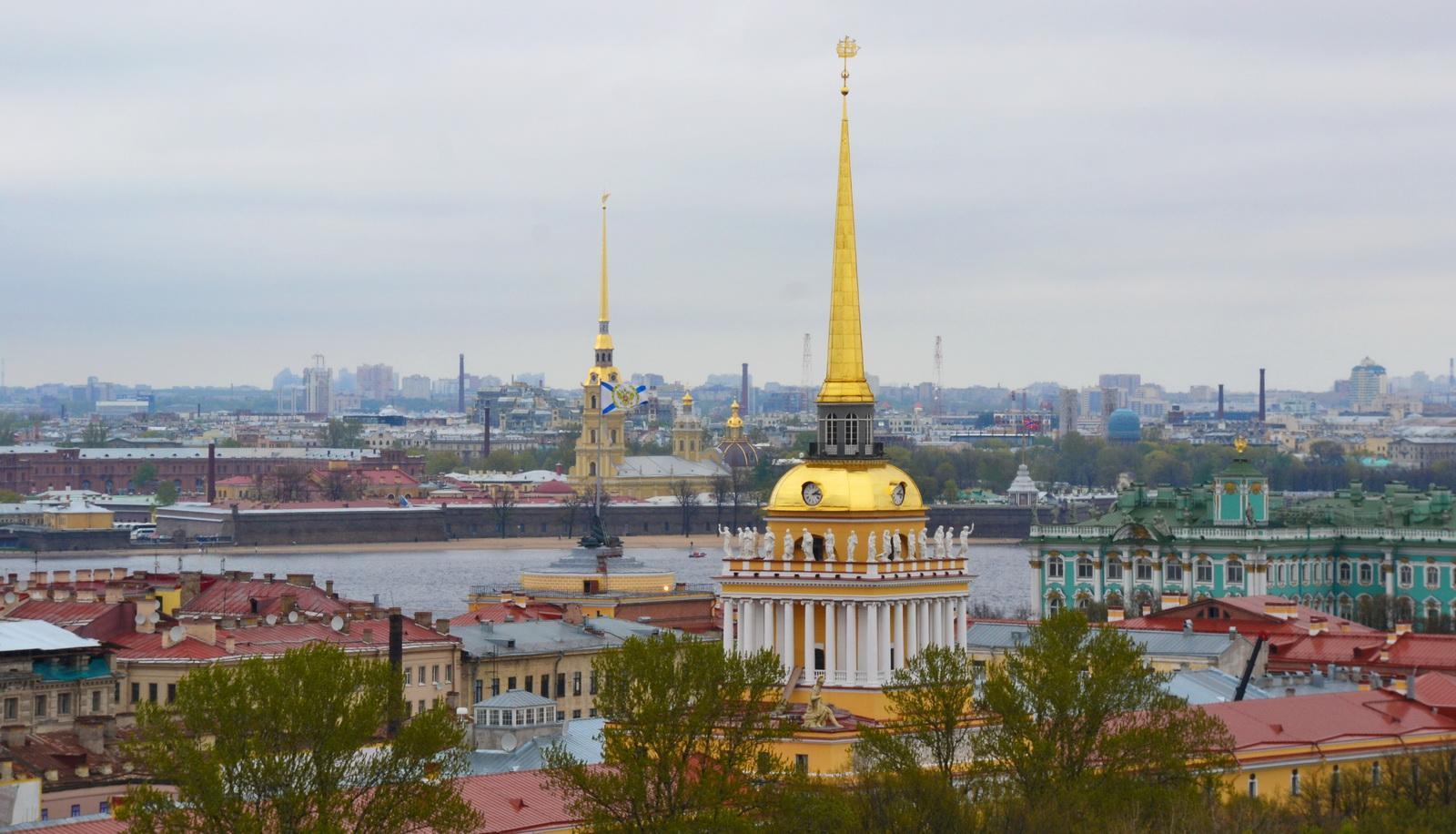 Шпили Адмиралтейства и Петропавловского собора