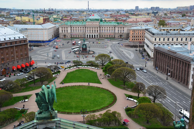 Вид на Исаакиевскую площадь