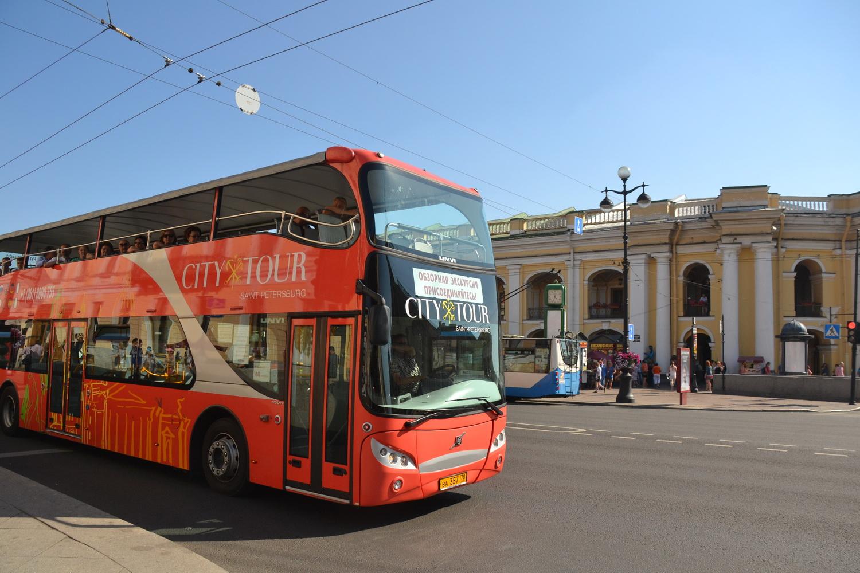 Двухэтажный автобус `Сити тур`