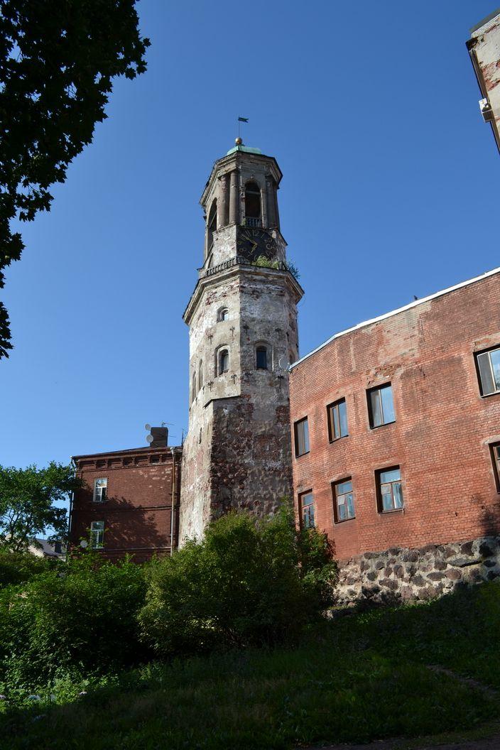Часовая башня в Выборге в 2013 году