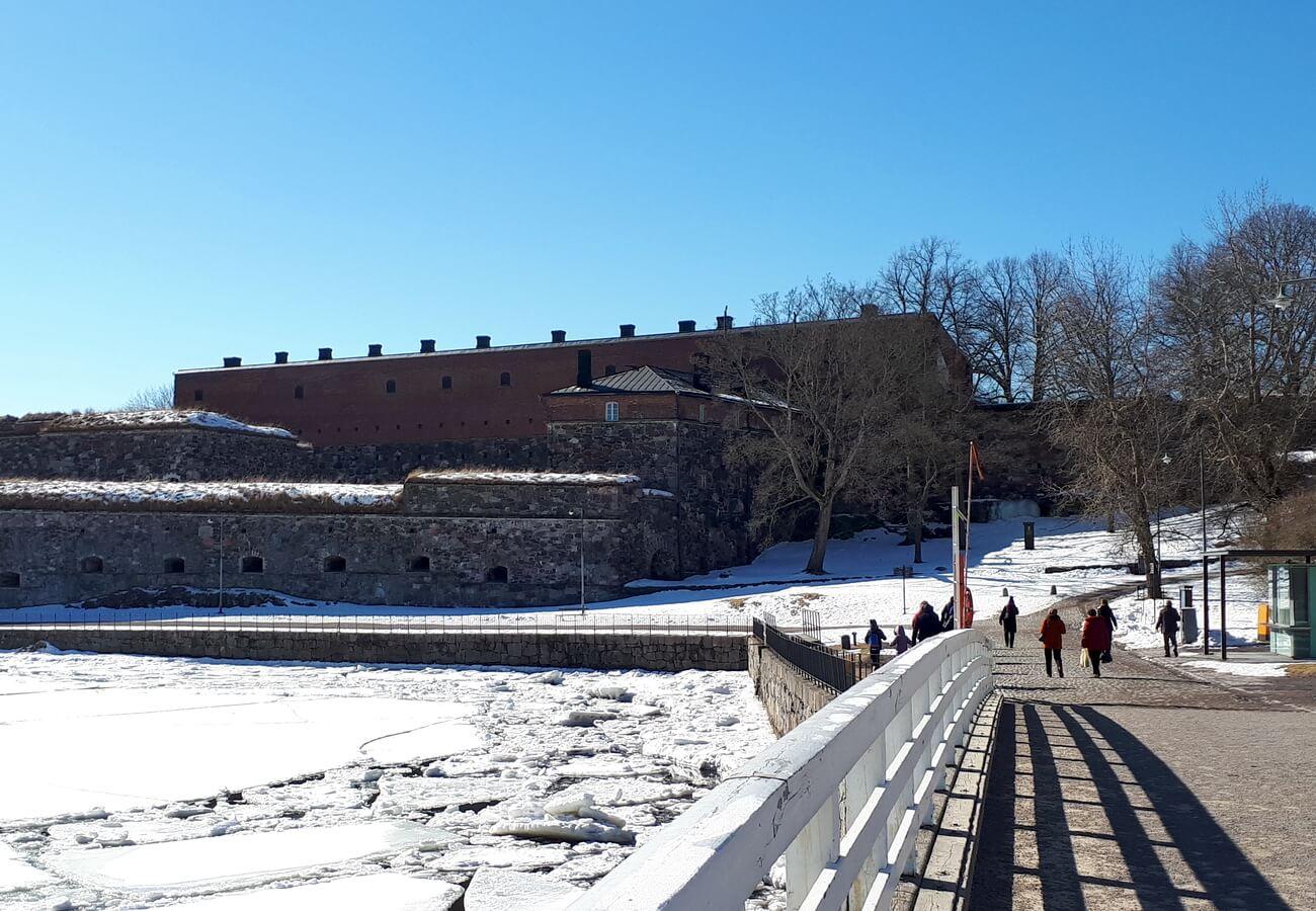 Мост к крепости