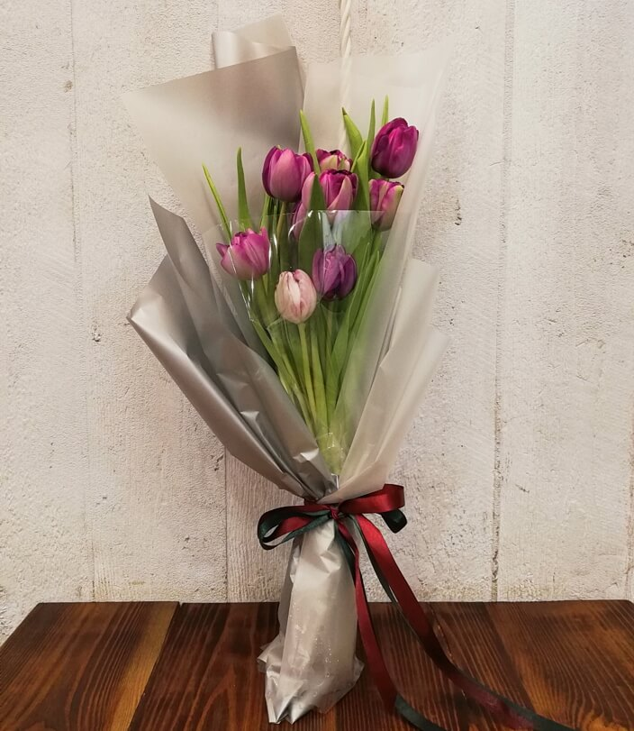 Тюльпаны - весенние цветы
