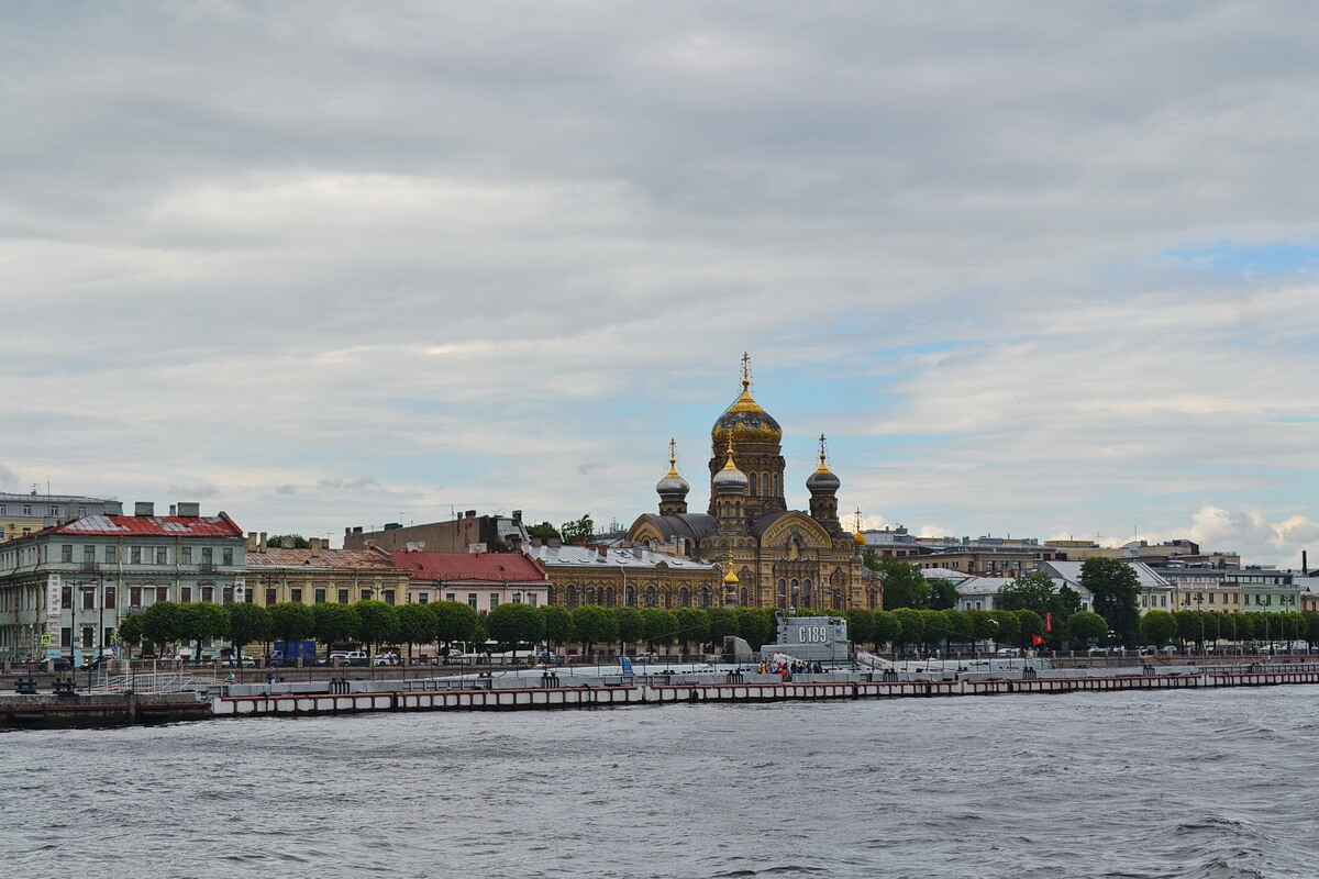 Подводная лодка С-189 и Успенский собор