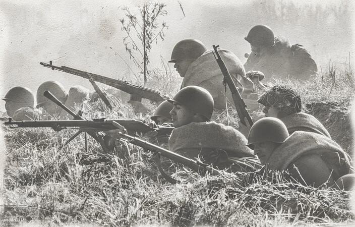 реконструкция боев на Невском пятачке