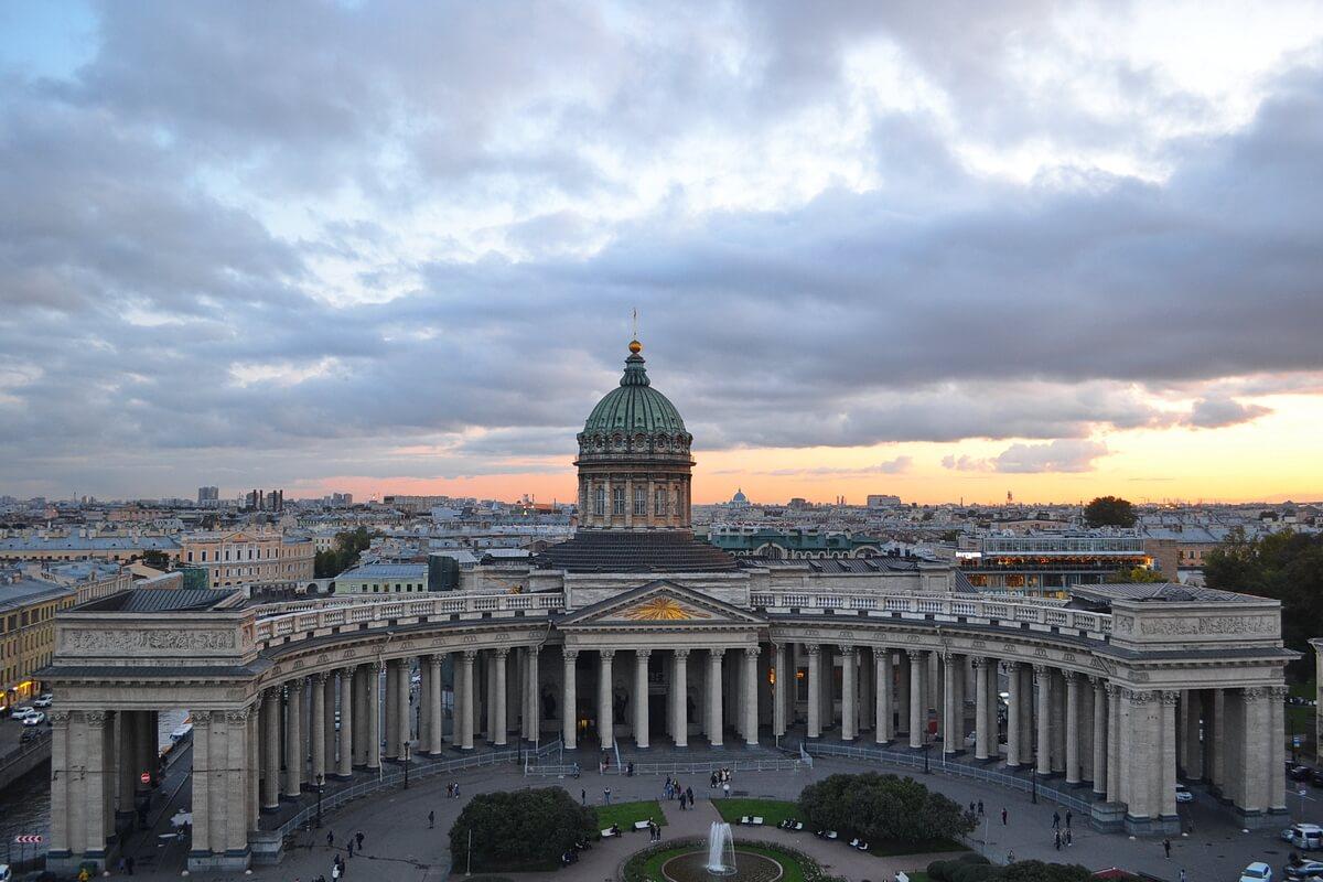 Казанский собор с крыши Дома Зингера