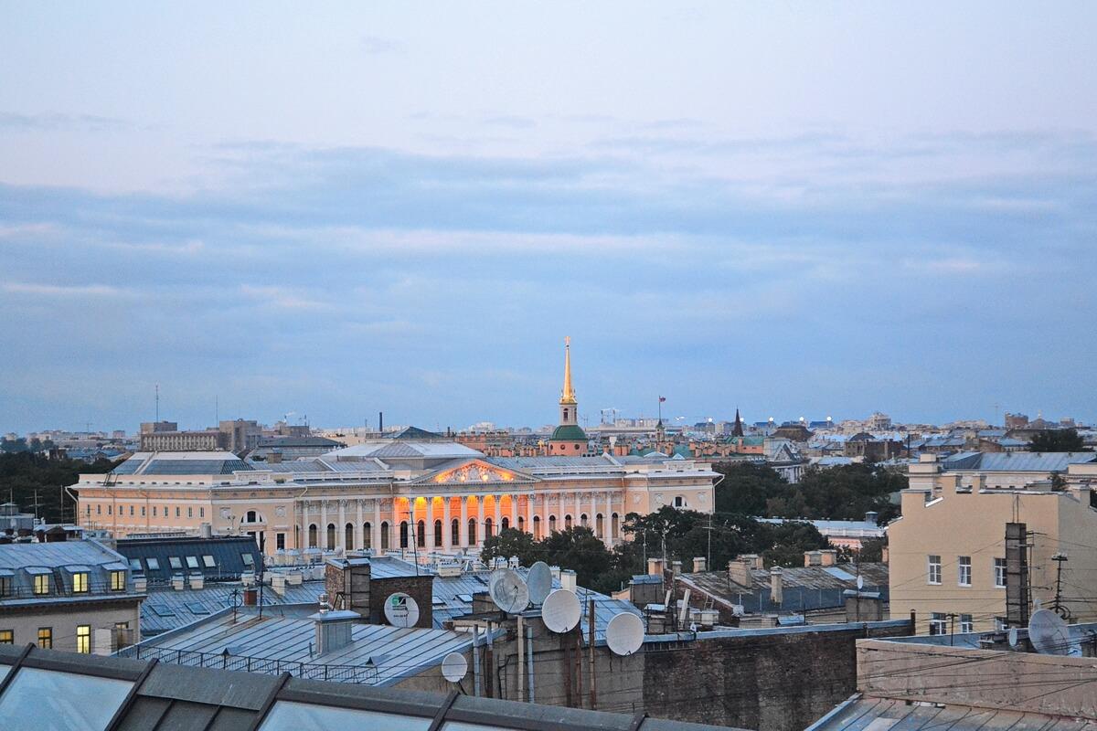 Вид на Инженерный замок и Русский музей