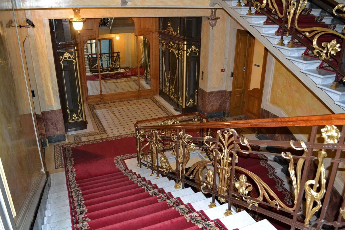 Лестница в Доме Зингера