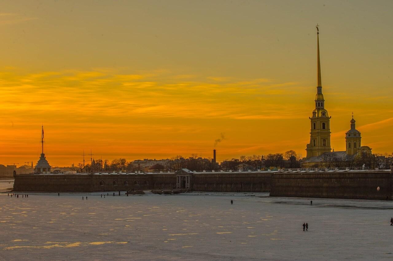 Петропавловская крепость вечером