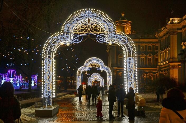 У Зимнего дворца в Новогоднюю ночь