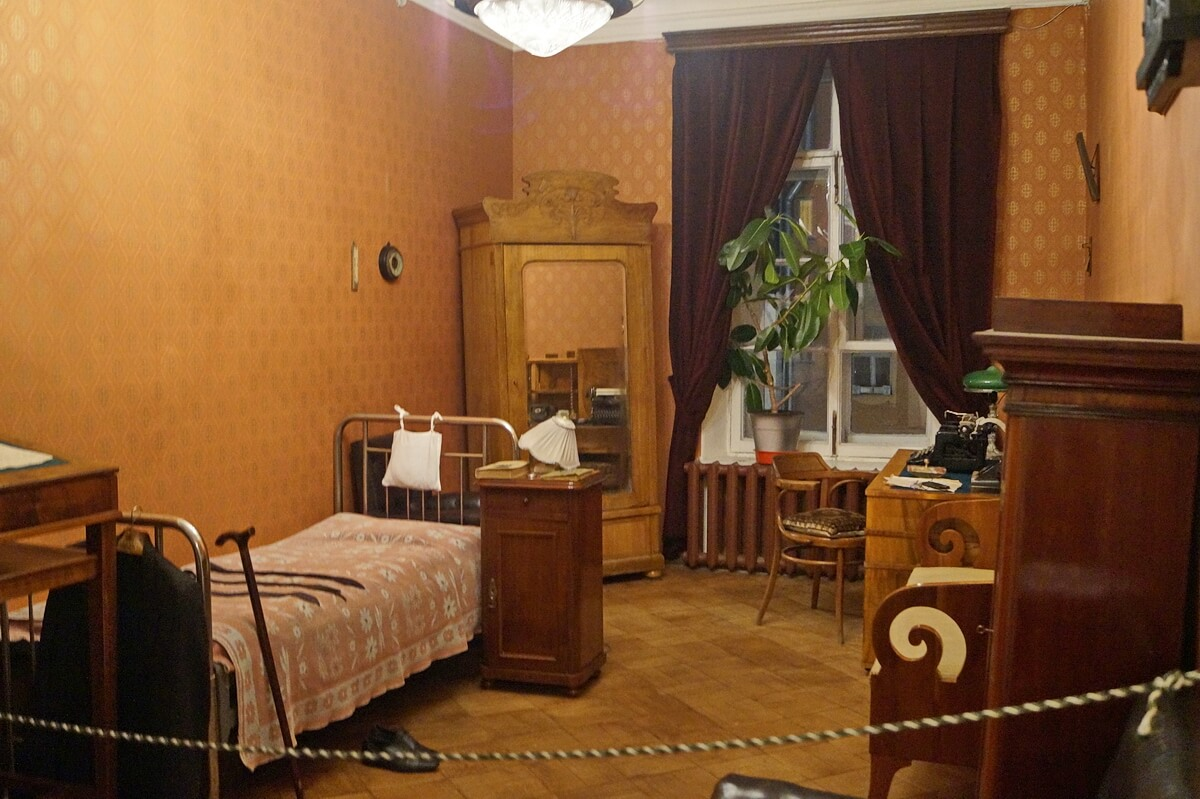 Комната Михаила Михайловича
