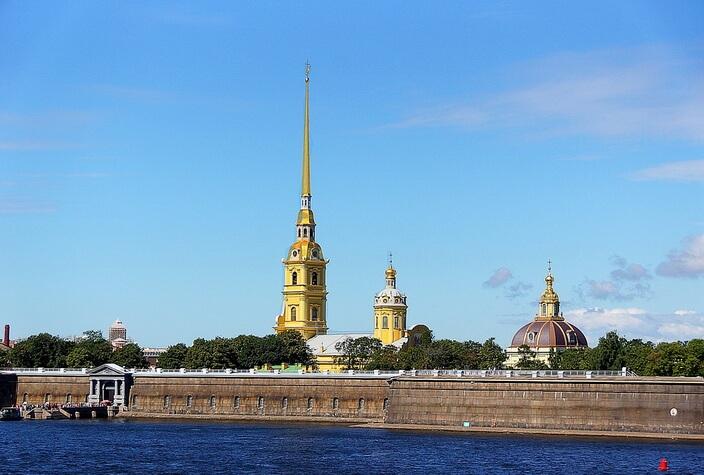 Петропавловская крепость, вид с Невы
