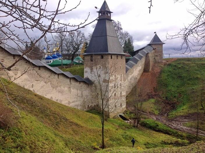 Монастырь в Изборске