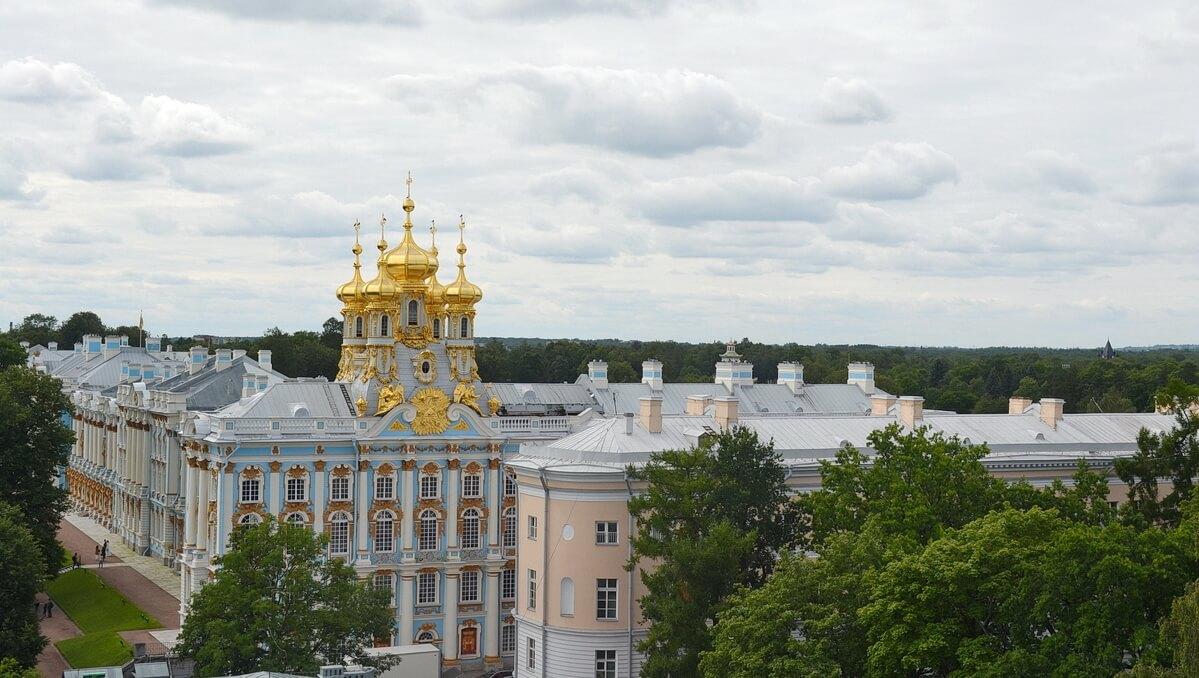 Вид на купола Екатерининской церкви